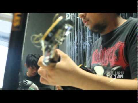 "KAPITAL - TAK BERNYAWA (accoustic version) Feat : Arie Biang kerock & Wawan ""HEI"""