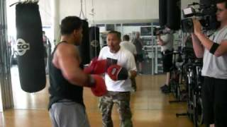 Sugar baby Rojas training Ronnie from Jersey Shore reality show part 1. may 22.MOV