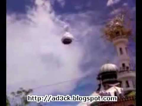 Dome flying on mosque's roof in Indonesia - Miracle of ...