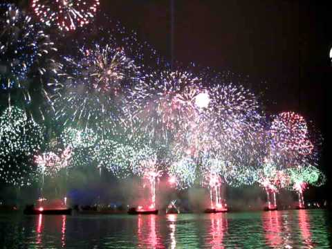 2012 Chinese New Year - Guangzhou fireworks performance