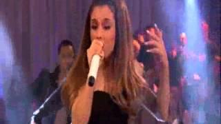 Ariana Grande - Lip Syncing