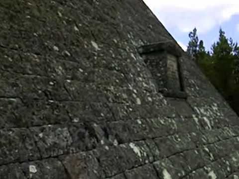 Balmoral pyramid
