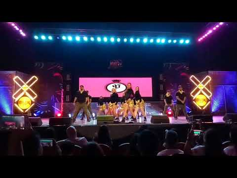 MYX Moves 2017 Grand Finals - Parris Goebel with The Royal Family (Special Number) | CLEAN MIX