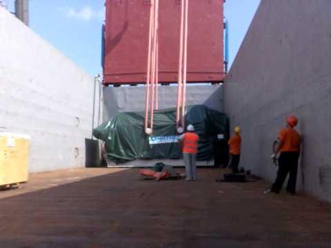 Вес взят 130 тон  Работа портовых мобильных кранов Liebherr