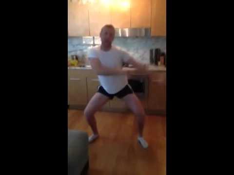 Мужик танцует Виагра, а я хочу перемирия