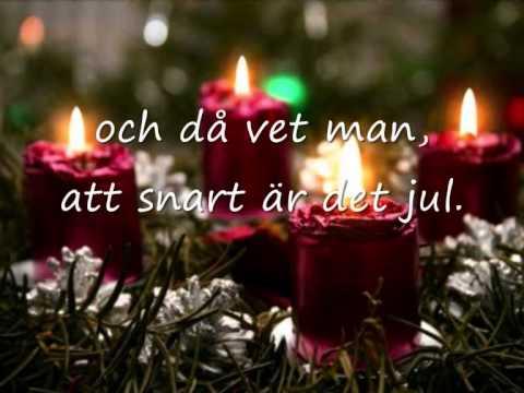 När det lider mot jul (Det strålar en stjärna) (med text)