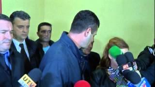Repeat youtube video Vlorë, tritol automjetit të kryekomunarit Qendër, plagoset Fredo Berberi