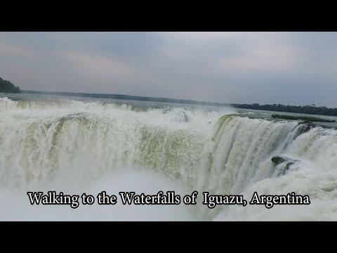Walk to Iguazu falls Argentina. A pie de las cataratas de Iguazú Argentina.
