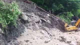 Дорога на Пхию. Сход селя. 30 мая 2014 г.