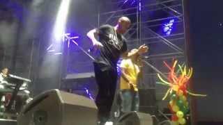 "Shaggy & Ne-Yo ""You Girl"" Live in NYC"