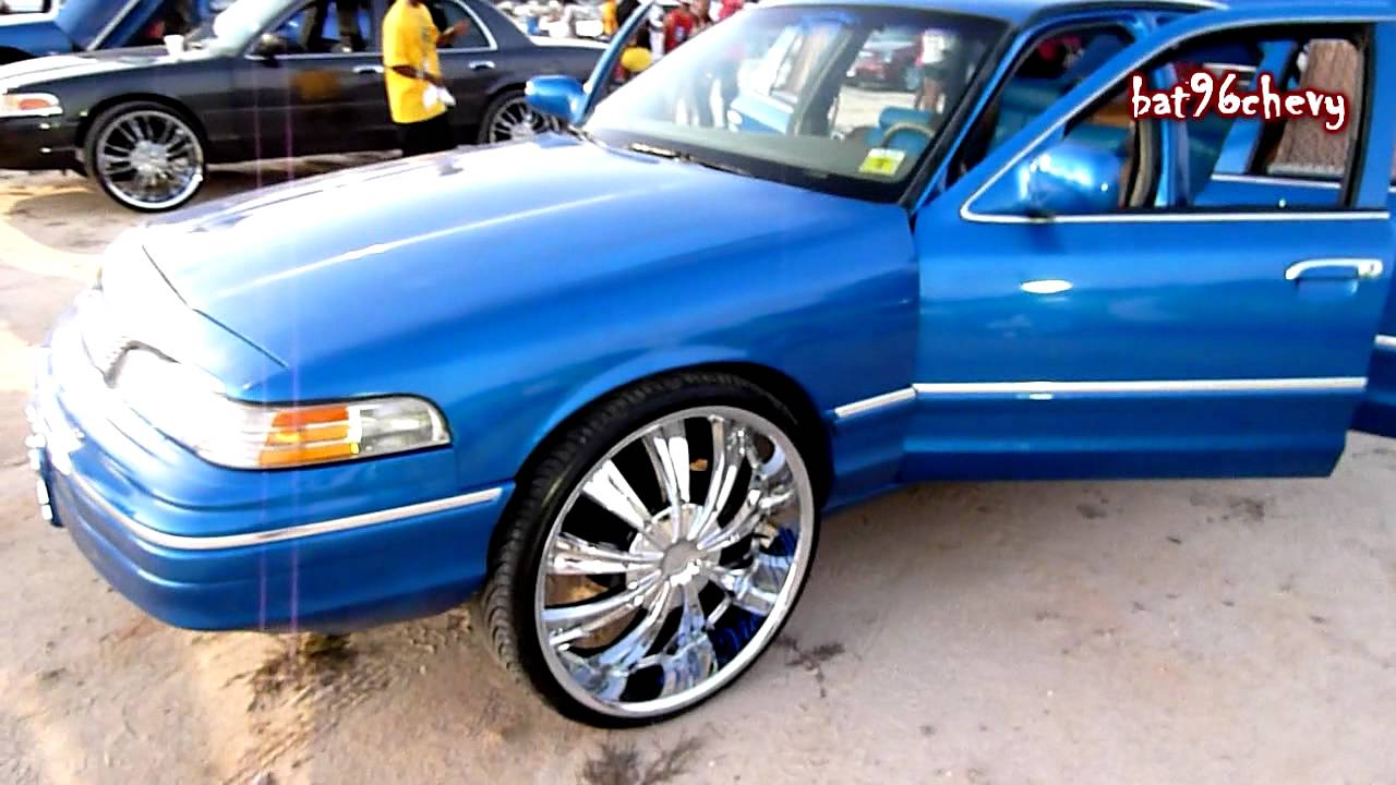 Blue Ford Crown Vic On 26 S Hd Youtube