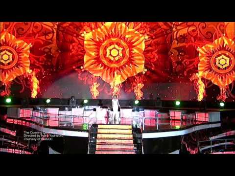The Opening Ceremony 2011 SEA GAMES INDONESIA part 3 (Merajut Nusantara)