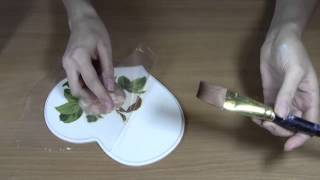 Декупаж: Как приклеить салфетку без складок.Приклеиваем салфетку методом файлика.(, 2013-09-19T08:00:55.000Z)