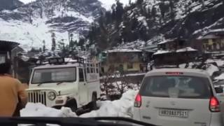 Snowfall in Manali today 7th January 2017 . Manali in White