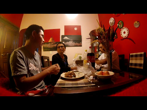 Couchsurfing Vlog - Arrived in Quito, Ecuador