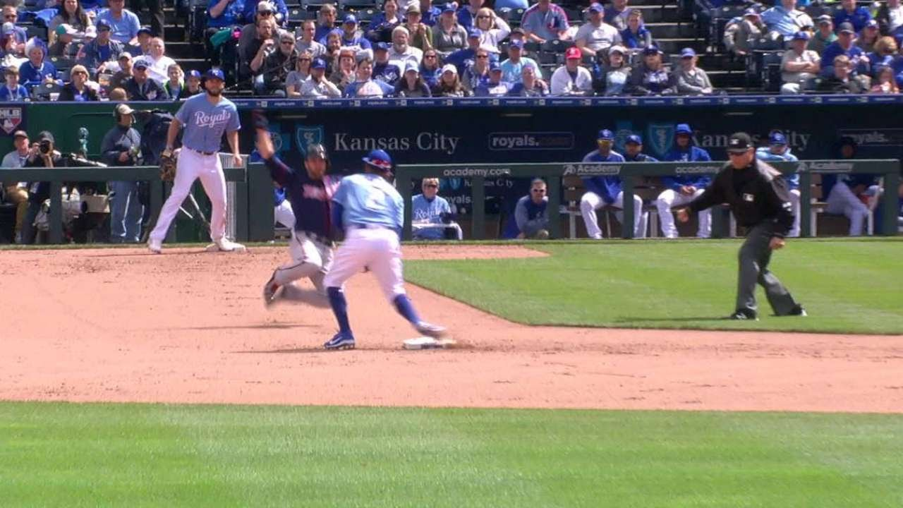 MIN@KC: Kepler plates Rosario with a groundout