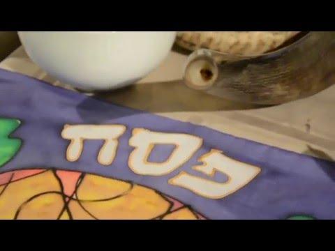 A Messianic Jewish Passover Seder