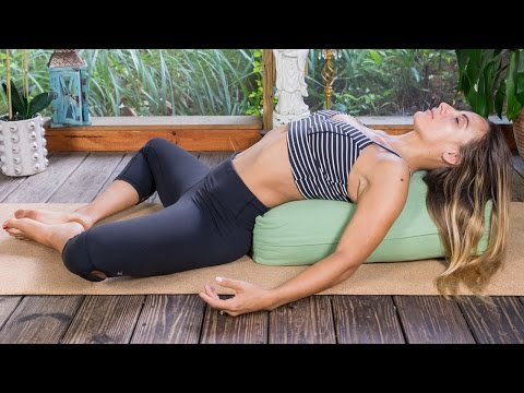 20 Minute Bedtime Yoga for the Ultimate Sleep