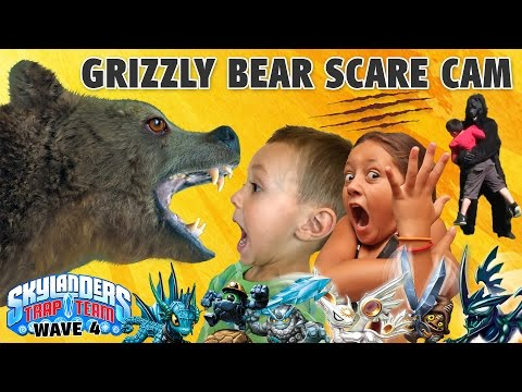 GRIZZLY BEAR SCARE CAM SURPRISE! Skylanders Trap Team Wave 4: Blackout, Spotlight, Short Cut, Echo + - ???