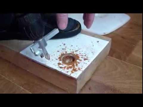 Отверстие в керамической плитке