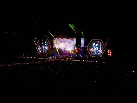 Coldplay - Hymn For The Weekend (live in Argentina 2017)