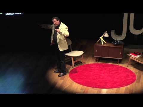 La función de la superestructura | Luis Miguel Pérez Juárez  | TEDxJuriquilla