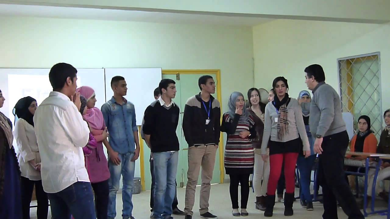 Teaching Drama in the classroom - YouTube