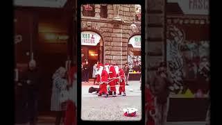 Танец дед мороза советую посмотреть