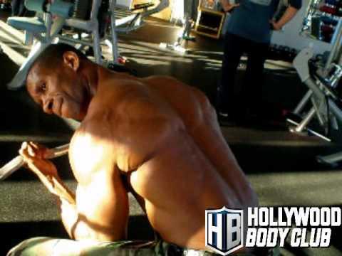 Beverly Hills Personal Trainer Training ezbarconcentrationcurl.wmv