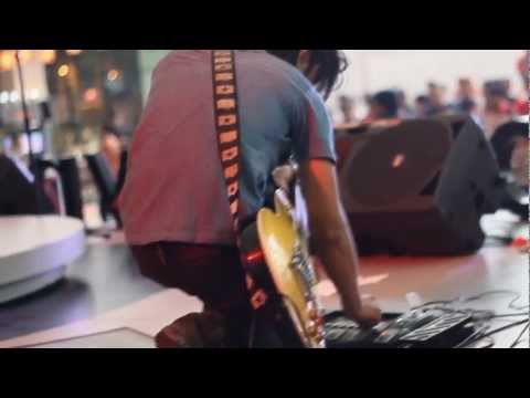 Penipu - ALEXANDRIA Live at Summarecon serpong  2012