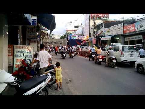 [11.8.2013] Một đoàn tàu hàng vào ga Đà Nẵng