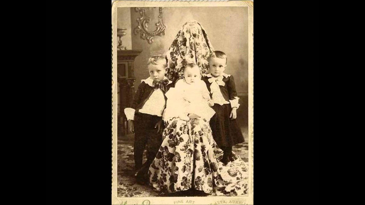 Creepy Unsettling Old Photos