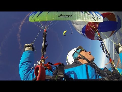 sportourism.id - Aksi-Ekstrem-Paragliding-dari-Ketinggian-6050-MDPL