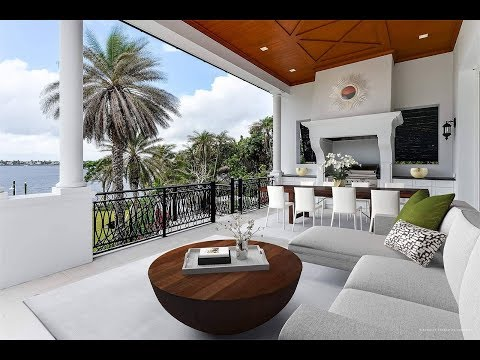Luxury property with the ocean in front of the door in  Palm Beach, Florida / $61,500,000
