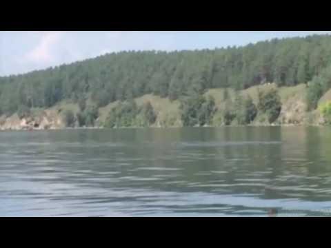 Eerie Giant Underwater Serpent Filmed In Russian Lake