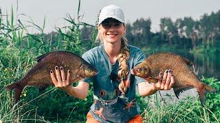 Огромные ЛЕЩИ не ДАЮТ спокойно половить рыбу ПОКЛЁВКИ КРУПНЫМ ПЛАНОМ Рыбалка ЛЕТО 2021