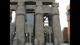 Movie2 Great Court of RamsesII at Luxor Movie.AVI