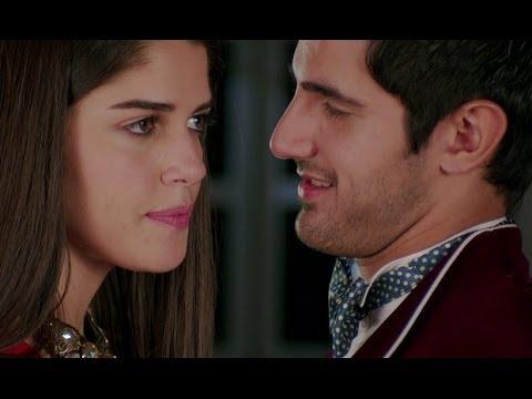 Aditya Seal forcefully tries to kiss his girlfriend    Purani Jeans