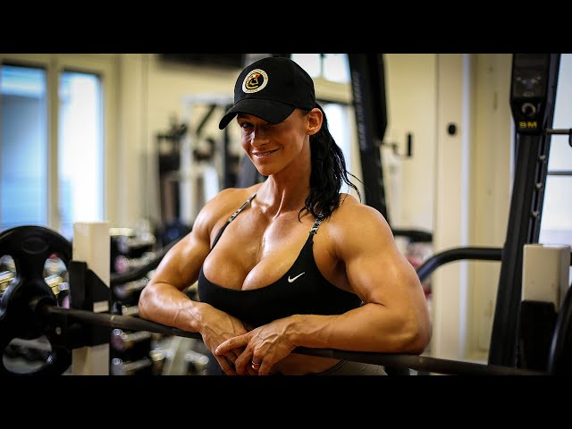 How to Bench Press press safely and productively | Cindy Landolt Bench Press Tutorial