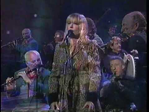 Marianne Faithfull - Love Is Teasin' (live feat. the Chieftains)