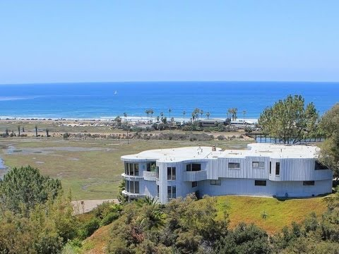 Iconic Beach House in Cardiff-By-The-Sea, California