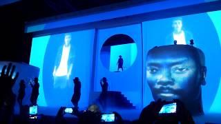 Will.I.Am - Good Morning / #thatPOWER feat. Justin Bieber - Live @ Le Zénith de Paris 1.12.2013 HD