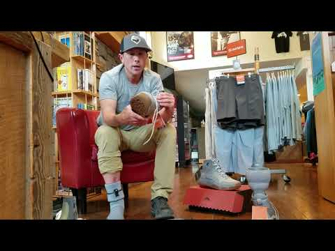 Simms Saltwater Wading Boot Buyer S Guide Simms Boots Youtube