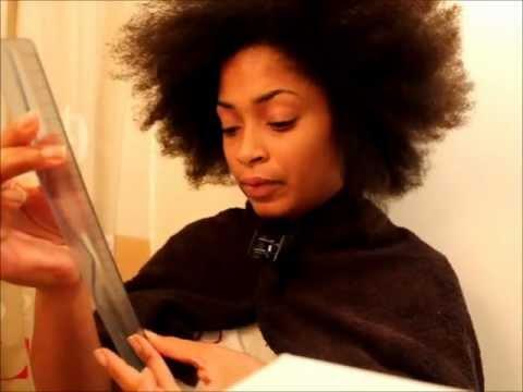Le masque pour les cheveux des huiles damandes et les vitamines