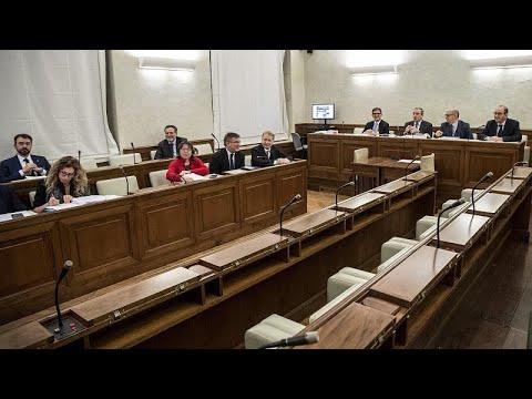 لجنة برلمانية إيطالية تصوّت لصالح رفع الحصانة عن سالفيني والحسم في فبراير…  - نشر قبل 9 ساعة