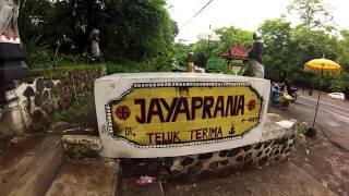 FlypengsTV / Bali #13. Северо-запад острова Бали.(Видео-блог о жизни и путешествиях FlypengsTV: http://www.youtube.com/user/FlypengsTV ОПИСАНИЕ ВИДЕО: МУЗЫКА в этом видео: Координ..., 2014-06-06T17:33:26.000Z)
