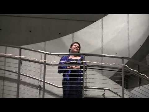 Erika van Gorden sings Opera at The Dali Museum
