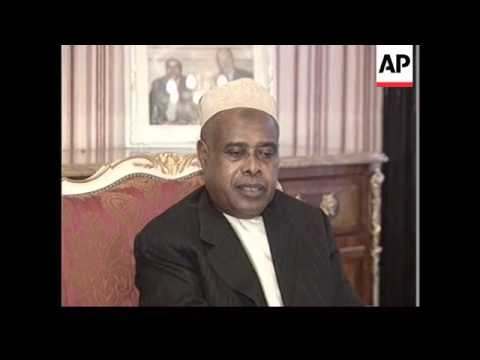 Comoros - President claims power over island