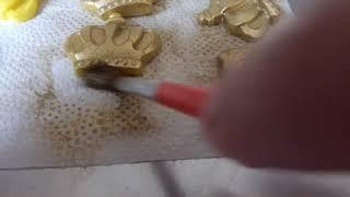 Pintando pasta americana de dourado