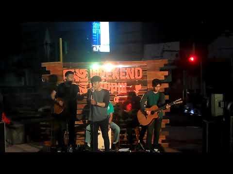 The45 - Mobil Balap acoustic (Naif Cover) LIVE @ WEEKEND HEPIII TAMAN KOTA USMAN JANNATIN
